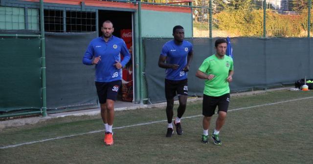 Alanyasporlu futbolcular Sergen Yalçın ile ilk idmanına çıktı