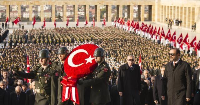 Cumhurbaşkanı Erdoğan Anıtkabir'de