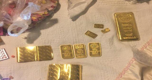 FETÖ'nün kilit isimleri 2 kilo külçe altınla yakalandı