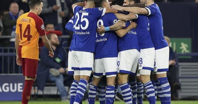İlk yarı Schalke'nin üstünlüğüyle bitti