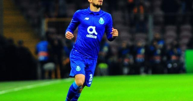 Galatasaray taraftarı Alex Telles'i unutmadı