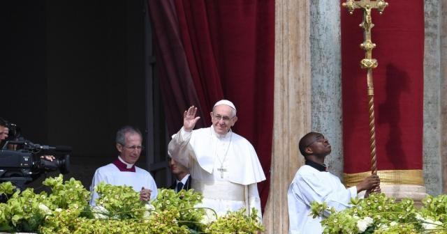 Papa, iki tacizci kardinali C-9 üyeliğinden çıkardı