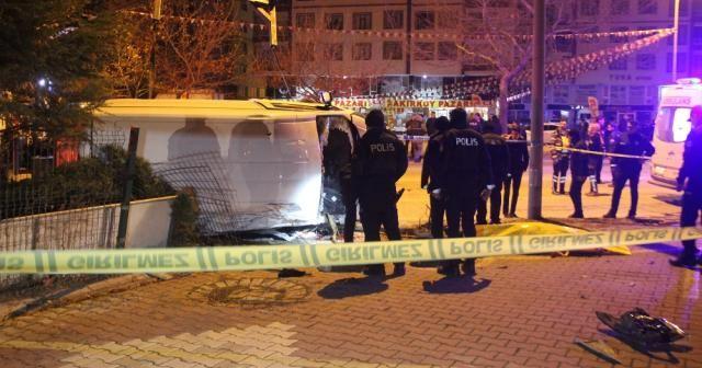Polis aracı ile otomobil çarpıştı:1 şehit, 4 yaralı