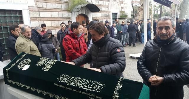 Selami Şahin ağabeyini son yolculuğuna uğurladı