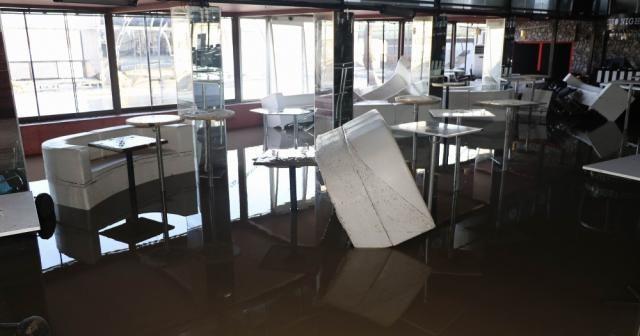 Sular çekildi, zarar ortaya çıktı