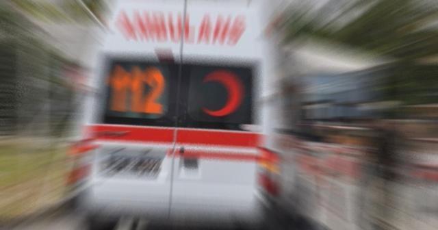 Yolcu otobüsü kamyona çarptı: 25 yaralı