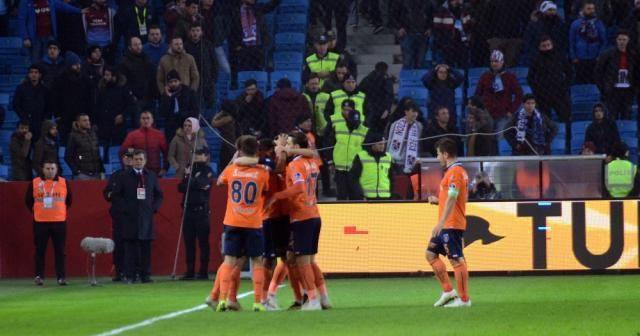 6 gollü maçta kazanan Başakşehir