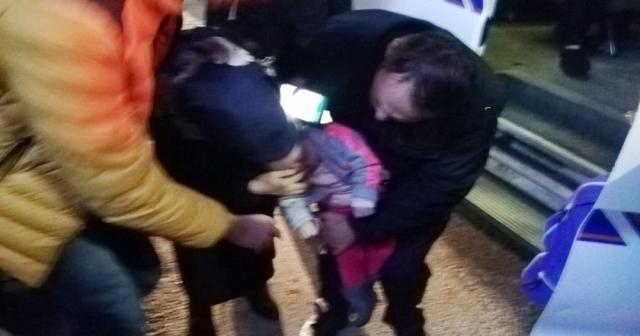 Boğazına cisim kaçan bebek boğulma tehlikesi geçirdi