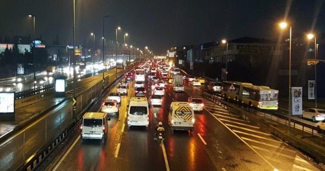 E-5'te trafik yoğunluğu yüzde 69'lara ulaştı