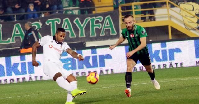 İlk yarı Beşiktaş'ın üstünlüğüyle bitti