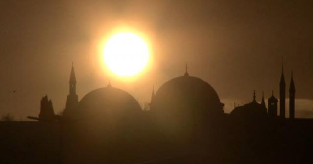 İstanbul'da büyüleyici gün doğumu