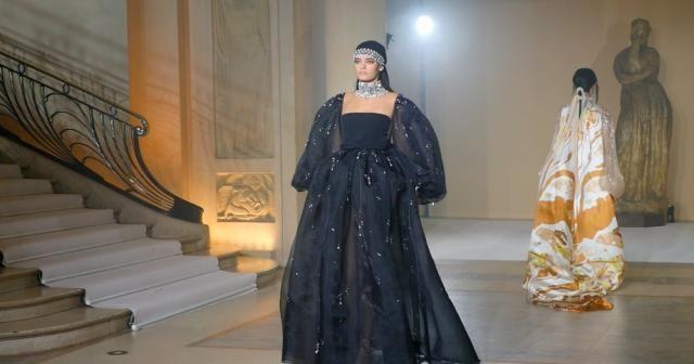 Paris Moda Haftası'na Stephane Rolland damga vurdu