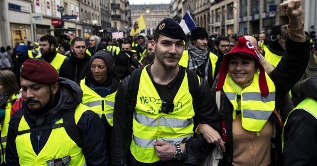 Sarı Yelekliler bu kez İngiltere'de sokağa inecek