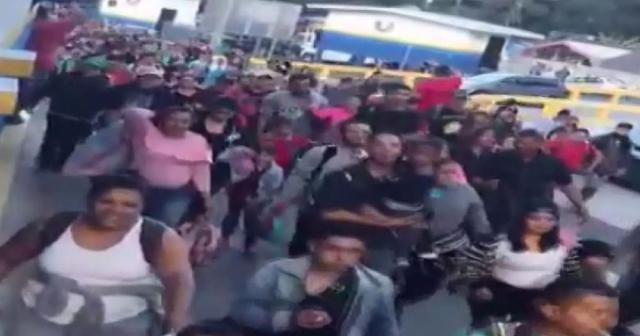Yeni göç kervanı ABD'ye doğru yola çıktı