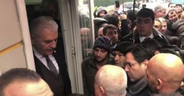Yıldırım Sultanbeyli'de taksi durağını ziyaret etti
