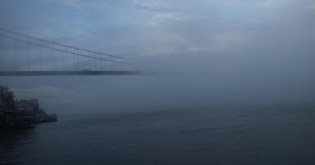 İstanbul'da yoğun sis: Seferler iptal