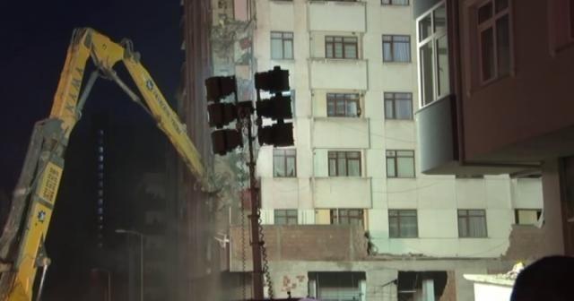 Riskli binaların yıkımı başladı