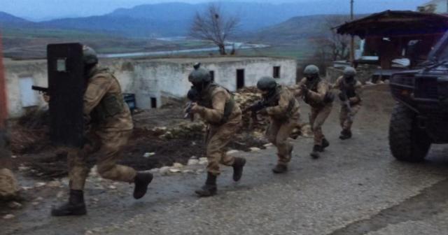 Siirt'te 13 kişiye terörden gözaltı