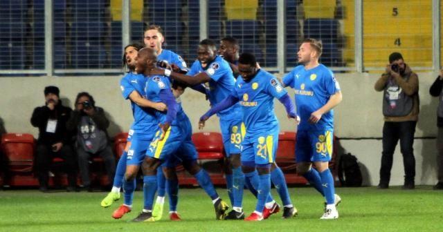 Spor Toto Süper Lig: MKE Ankaragücü: 1 - Kasımpaşa: 0 (İlk yarı)