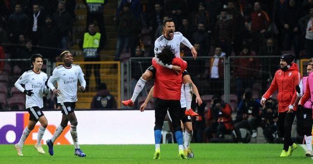UEFA Avrupa Ligi: Galatasaray: 1 - Benfica: 2 (Maç sonucu)