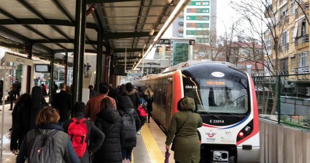 Gebze - Halkalı trenine ilk günden yoğun ilgi