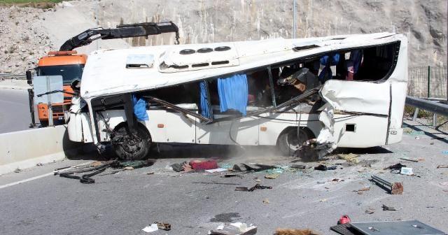 İzmir Valiliği: Kazada 34 kişi yaralandı