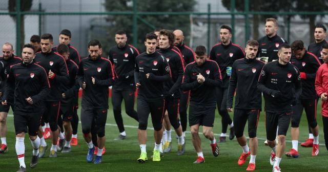Türkiye Arnavutluk ile 11. randevuda