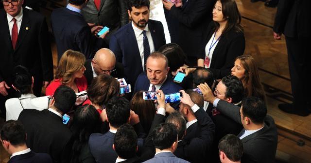 """Çavuşoğlu :""""Alacağımız S400'ler NATO sistemlerini düşman olarak görmeyecek"""""""