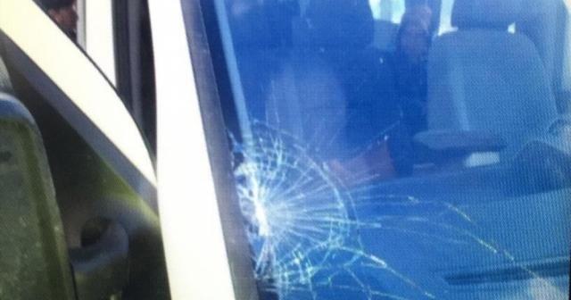 Minibüs çarşı iznine çıkan askerlere çarptı: 2 yaralı