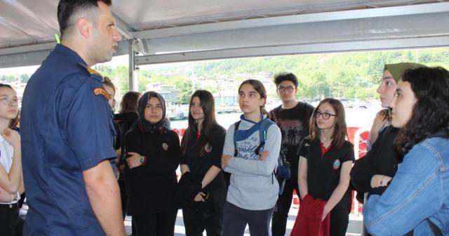 200 öğrenci Boğaz turu eşliğinde eğitim aldı