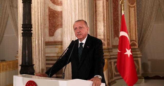 Cumhurbaşkanı Erdoğan, sanatçı ve sporcularla iftarda bir araya geldi