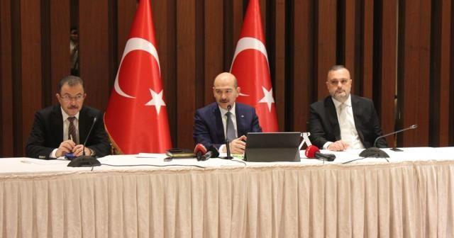 İçişleri Bakanı Süleyman Soylu, Eyüp'te muhtarlarla buluştu