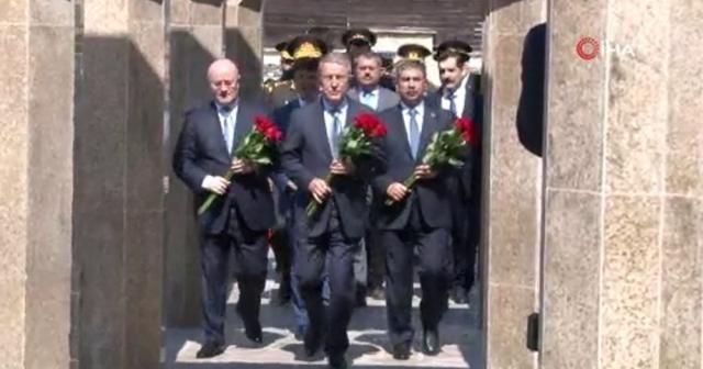 Bakan Akar'ın Azerbaycan ziyareti sürüyor