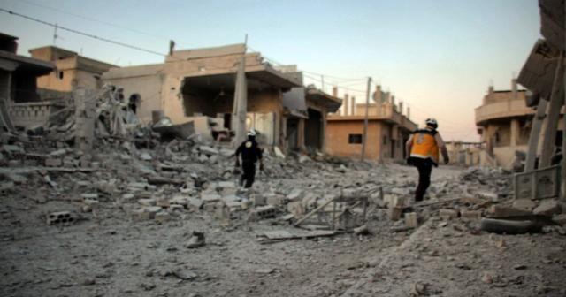 Suriye ve Rus jetleri El Mintar'ı bombaladı: 5 sivil öldü