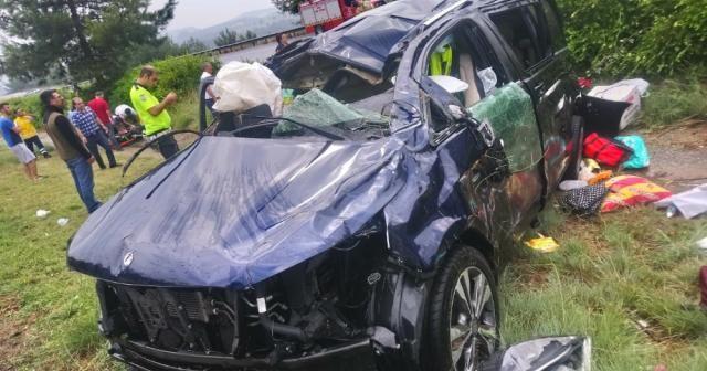 Belçika'dan gelen aile Tarsus'ta kaza yaptı: 5 yaralı