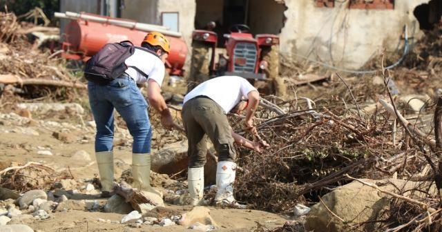 Düzce'de kayıp 6 kişiyi arama çalışmaları sürüyor