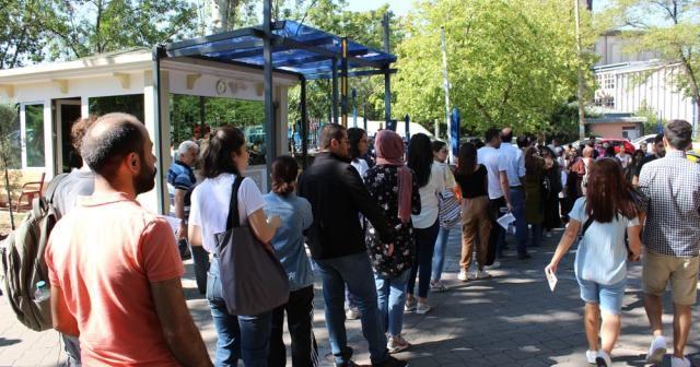 KPSS öncesi adaylar emanet teslim etme kuyruğuna girdi