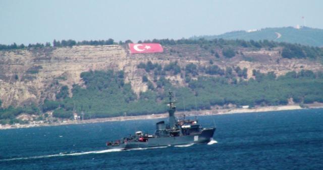 Rus donanmasına ait savaş gemisi Çanakkale'den geçti