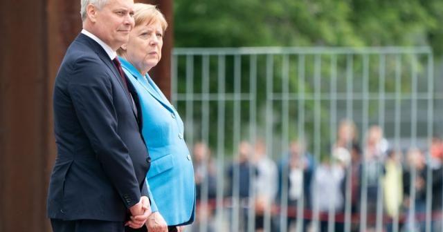 "Titreyen Merkel'den açıklama: ""Ben iyiyim"""