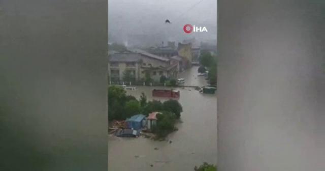 Çin'de şiddetli yağış sonrası heyelan: 7 ölü, 24 kişi kayıp