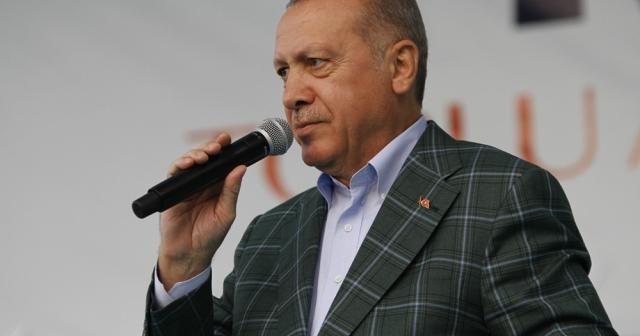 """Cumhurbaşkanı Erdoğan: """"İstanbul'u sel bastı, beyefendi tatilde"""""""