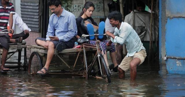 Hindistan'da 2 eyaletteki sel ve heyelanlarda 40 kişi öldü