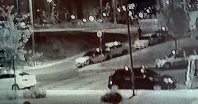 Hırsızlık şebekesinin araç hırsızlığı kamerada