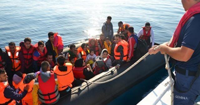 Ayvalık açıklarında 42 düzensiz göçmen yakalandı