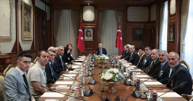 Cumhurbaşkanı Erdoğan gazileri kabul etti