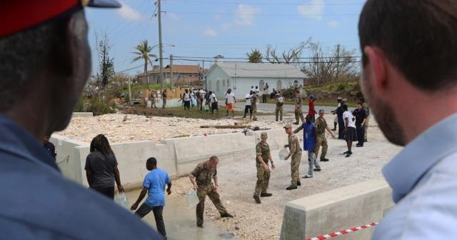 Dorian Kasırgası mağdurlarına 'vize anonsu' yapan operatörden yolculara özür