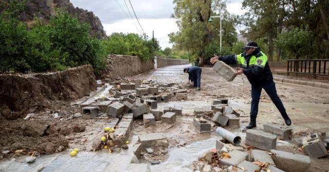 İspanya'da selde ölü sayısı 6'ya yükseldi