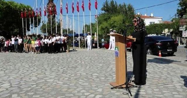 İzmir'de skandal: Başörtülü sunucu öğretmene akıl almaz tepki