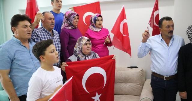 Rıza Kayaalp'in 4. Dünya Şampiyonluğu ailesini sevince boğdu