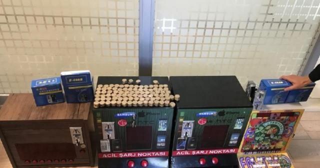 Şarj makinesi görünümlü kumar makinesi ele geçirildi
